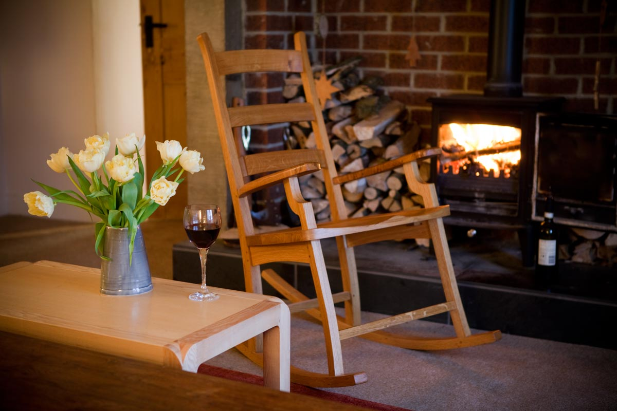 Rocking-Chair-and-Table-01